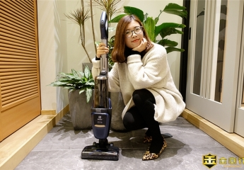 【金测评】伊莱克斯PF91-5EBF的无线手持吸尘器:打扫卫生交给我,你在家美美哒就行