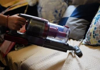 【金测评】小尼熊无线吸尘器:体验家居清洁利器