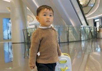 【金测评】酷骑儿童行李箱解锁带娃新姿势:亲子出游不受累