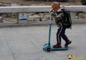 【金测评】酷骑V1发光滑板车:一起伴随小朋友长高的滑板车