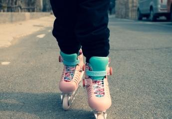 【金测评】酷骑更适合小朋友的轮滑鞋,畅快玩耍更安全