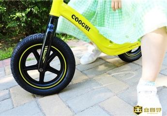 【金测评】迟到的六一儿童节礼物!小公主表示很喜欢的一款平衡车