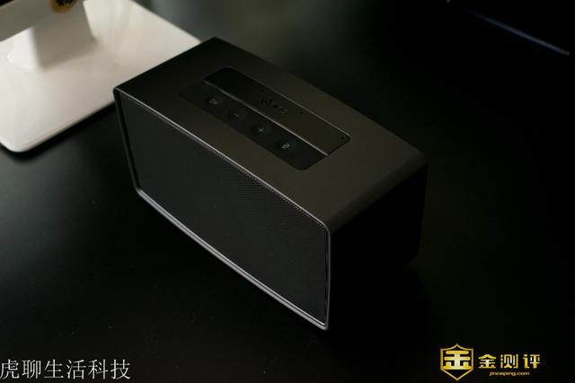 360智能AI音箱:一个智能音箱可以当2个用